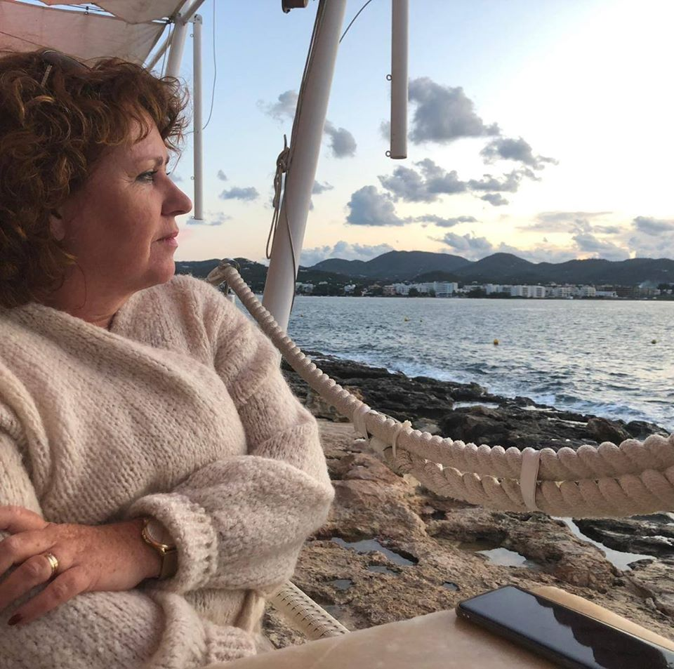 Angelique Van Der Linden Smit